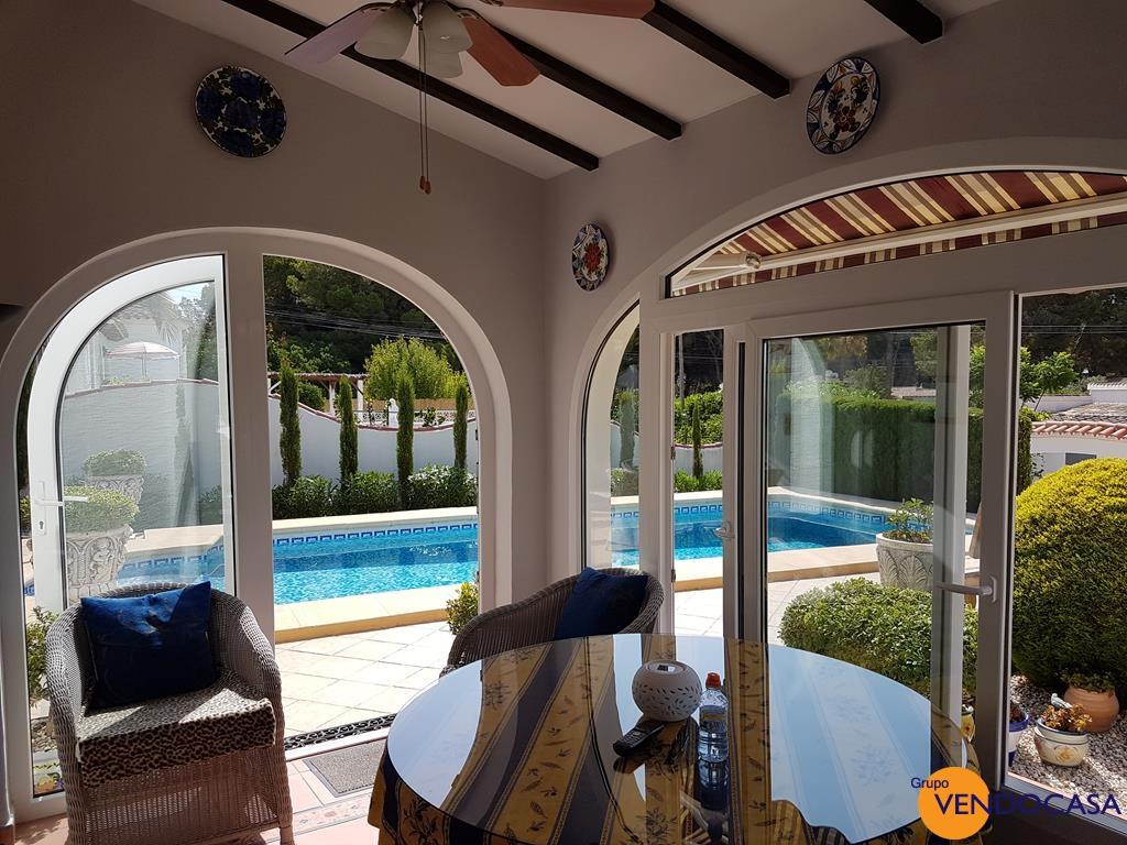 Renovated villa with sea views