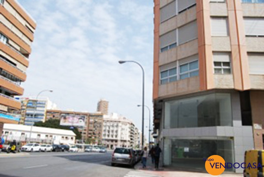 Corner apartment in the center of Alicante city