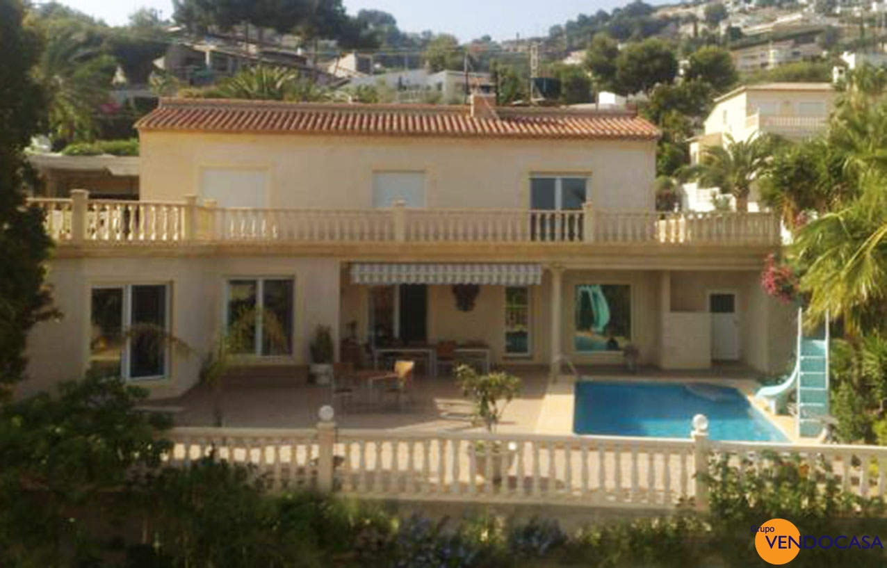 Superb High quality villa with sea view