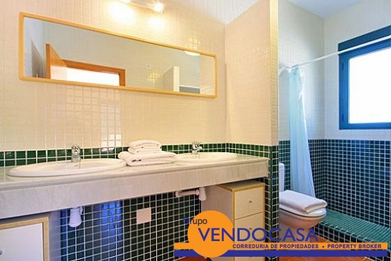 Great villa in Urb. Adsubia at a good price