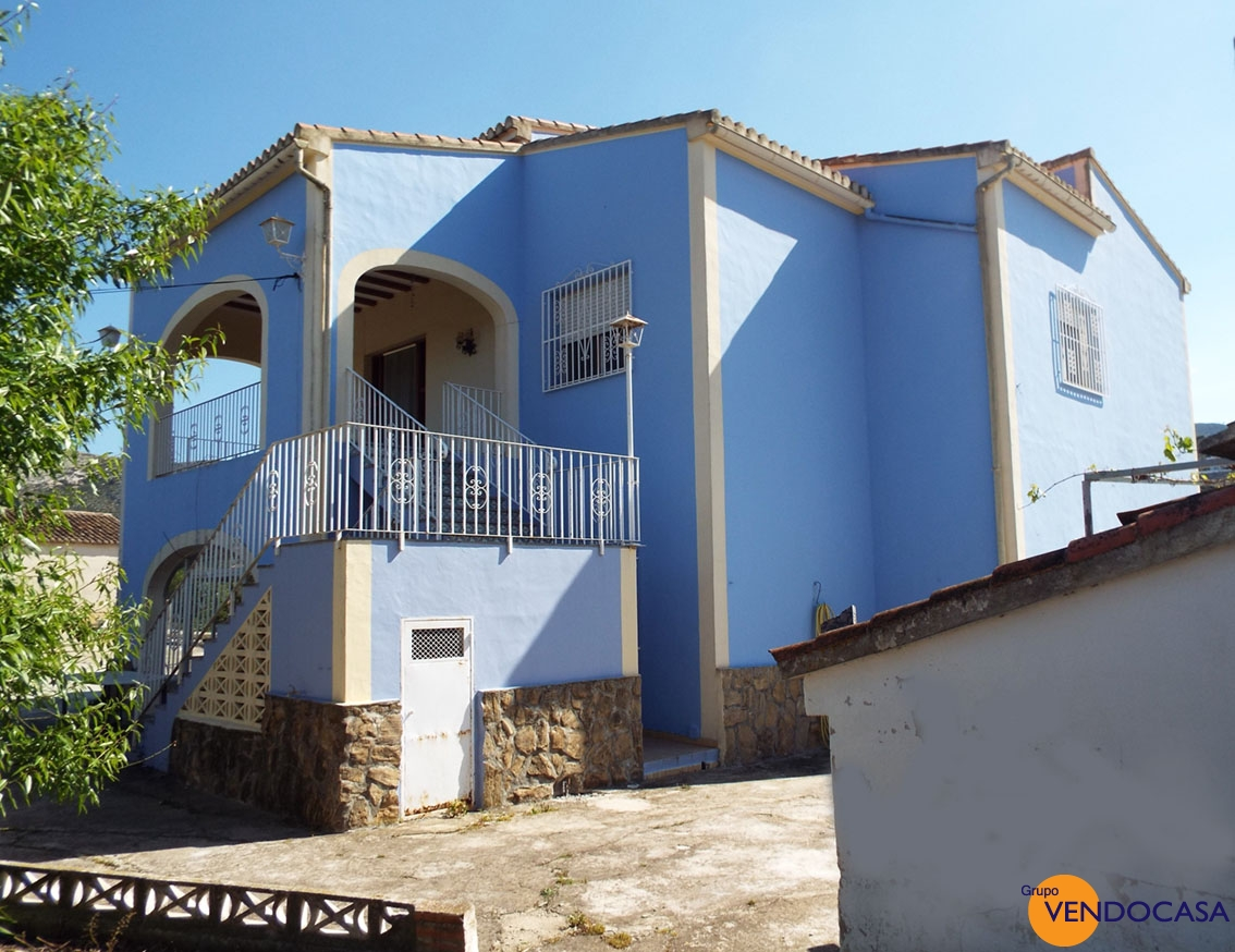 Nice well kept country villa in Pedreguer at a good price