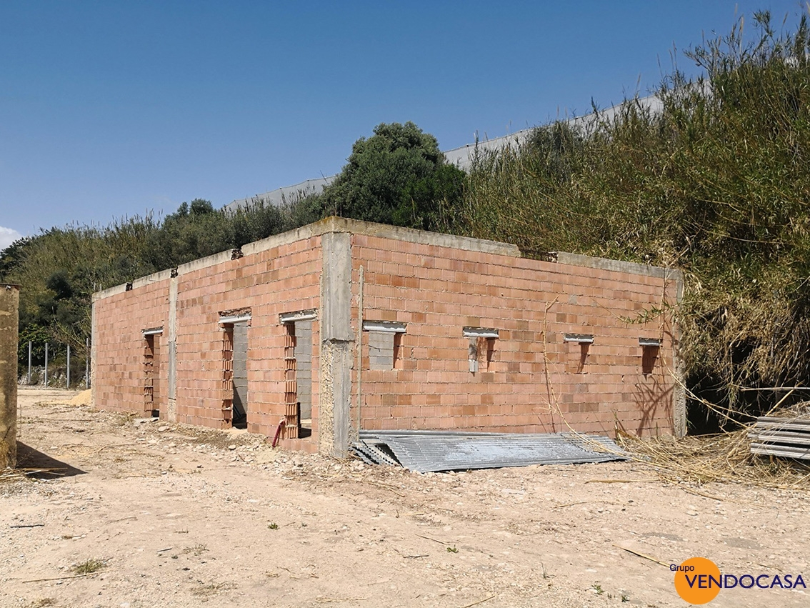 Huge Country house to (re) Build