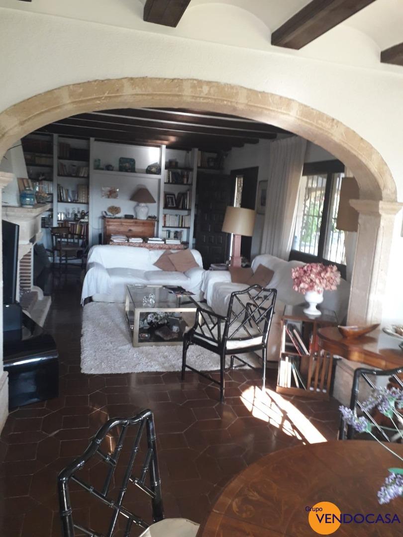Nice traditional villa at Montgo