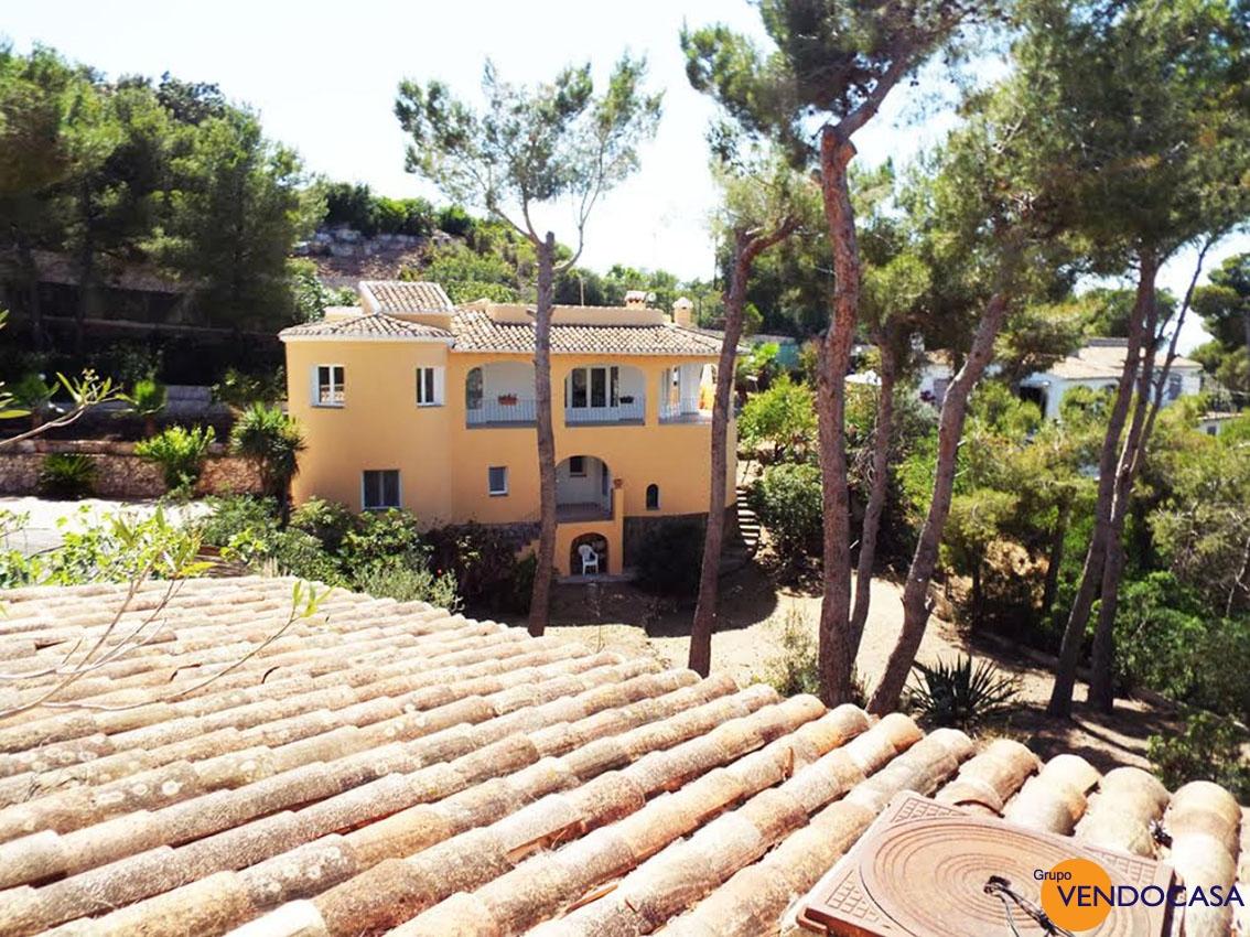 Espacious villa with beautiful sea view