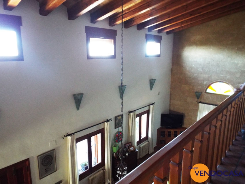 Very styleful villa in Piver with sea and mountain view