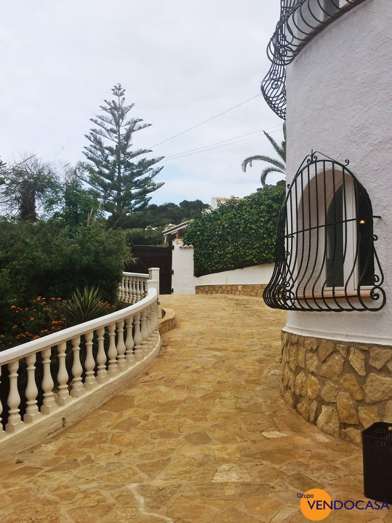 Large traditional villa at Urb. Tosalet