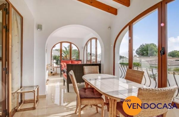 Large Villa with sea view at Landrago