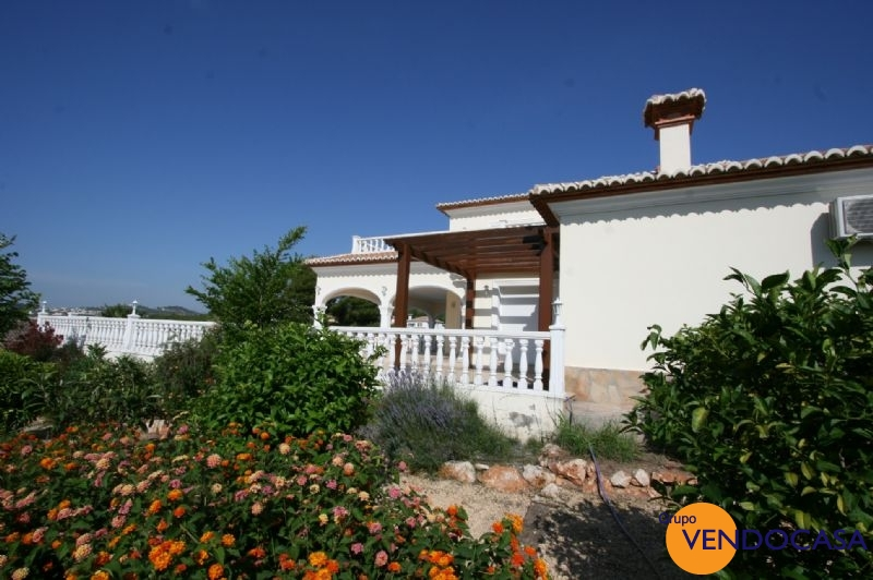 Superb 2 floors villa near the golf couse in javea