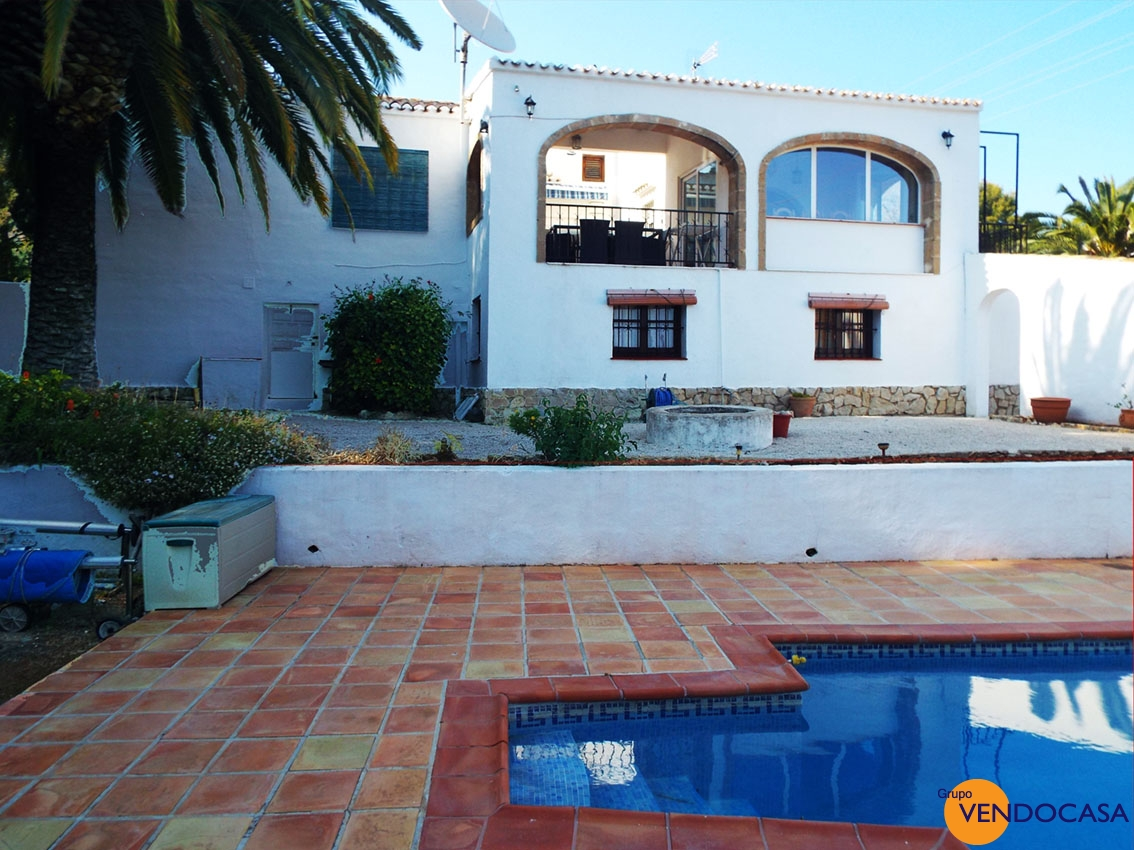 OPORTUNITY Great villa on a huge plot