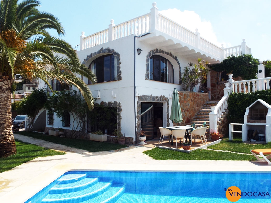 Superb 5 bedroom villa at Rafalet