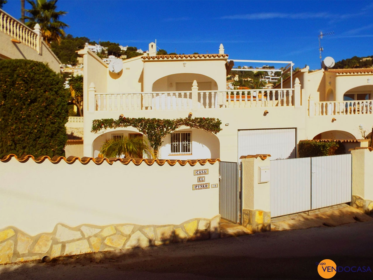 Nice 2 levels villa with seaview