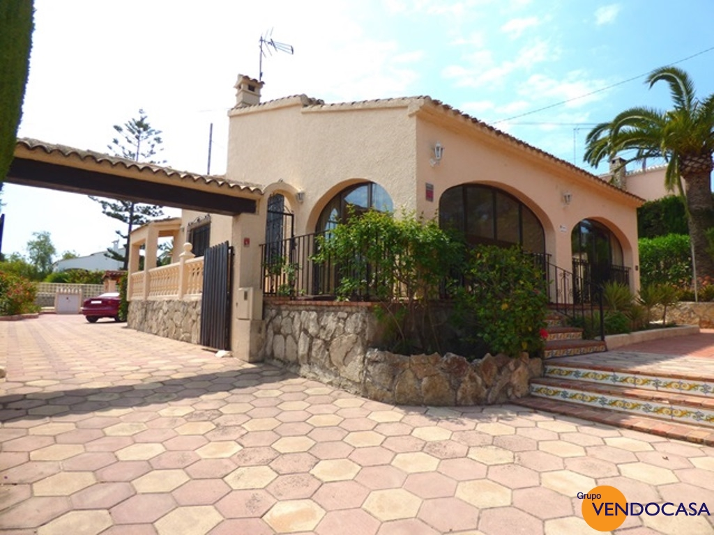 Nice villa close to the Arenal beach