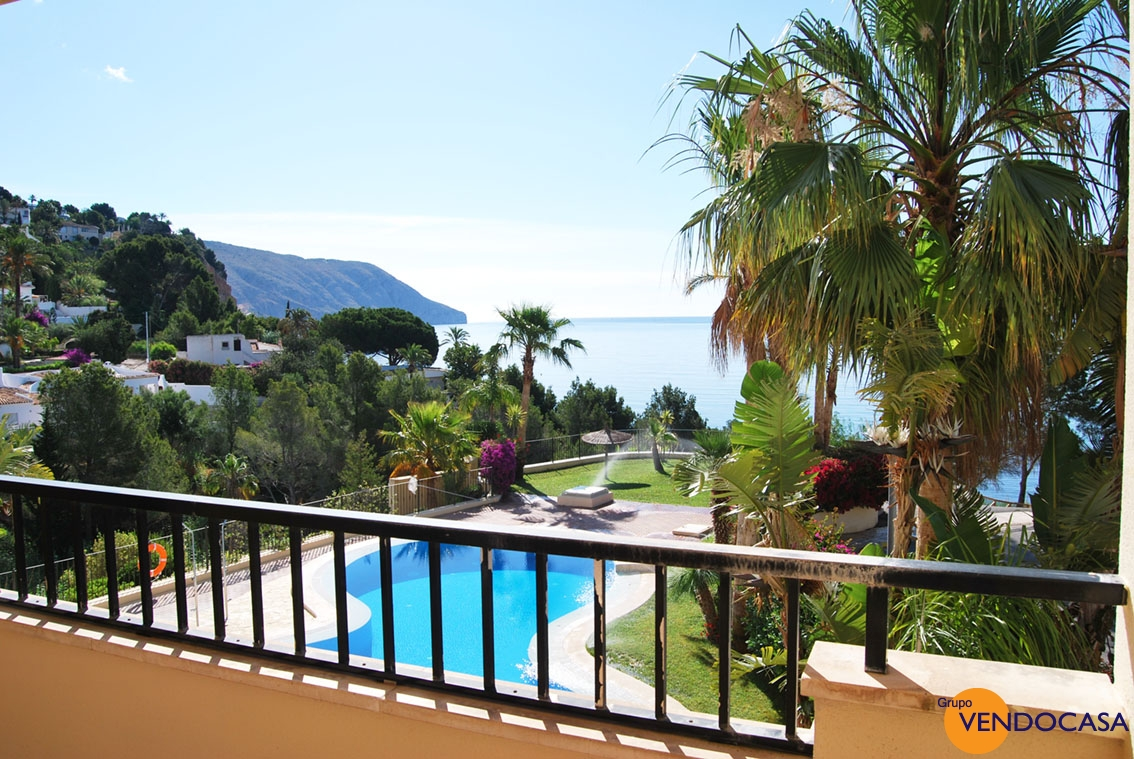 Front line sea luxury apartment at Isla de Altea