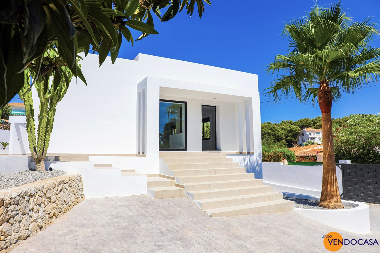 Luxury modern new re-build villa