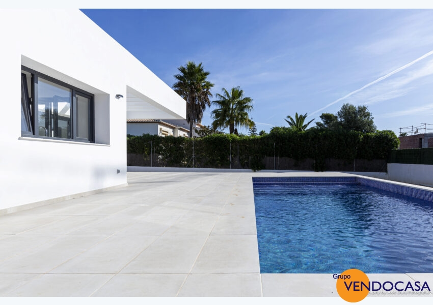 New build modern 3 bedroom villa